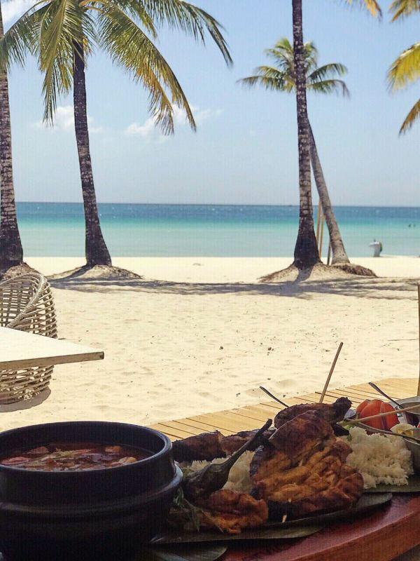 Bacolod kansi и ужин в стиле «бойфренд» на пляже в Sands. Фото Мэтью Гомеса