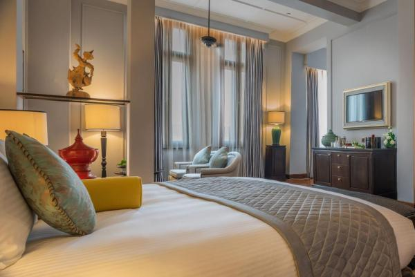 The Strand Yangon Deluxe Suite