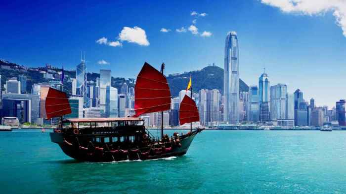Get a chance to win a Hong Kong getaway and catch the iconic Aqua Luna ship in Victoria Harbour with GetGo's Redeem Away promo.