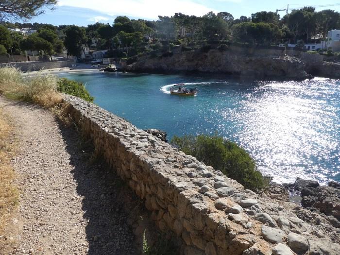 shoulder mallorca cliff walk