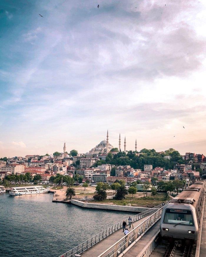 Best Istanbul Hotels by @gozlukluf via Unsplash
