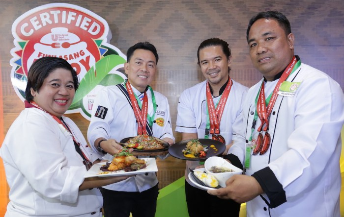 Certified Funlasang Pinoy runners-up proudly showcase their delicious creations.