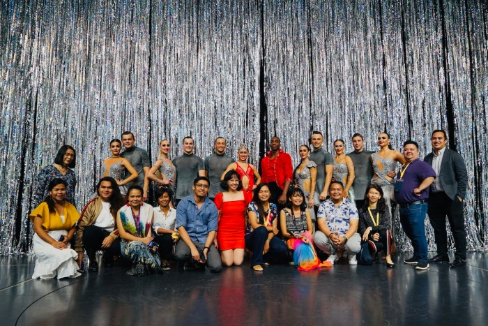 Foto grupal con los artistas intérpretes o ejecutantes
