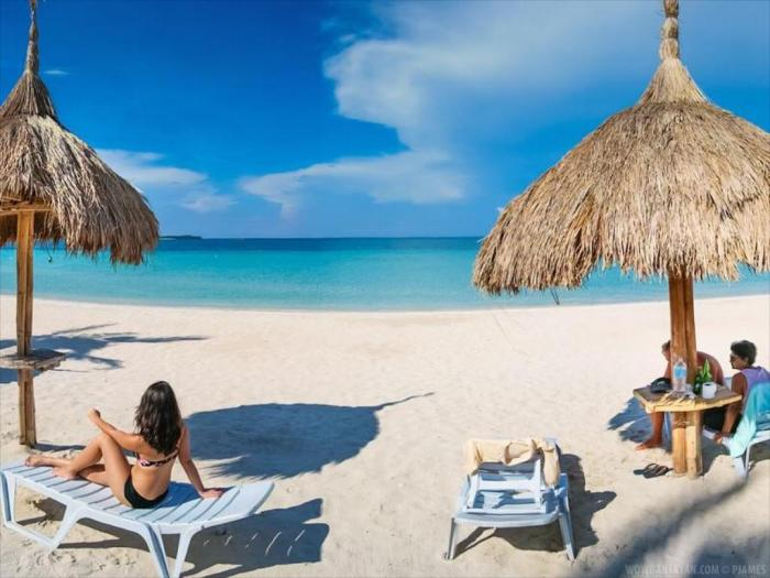 Beach Placid Resort Bantayan Island