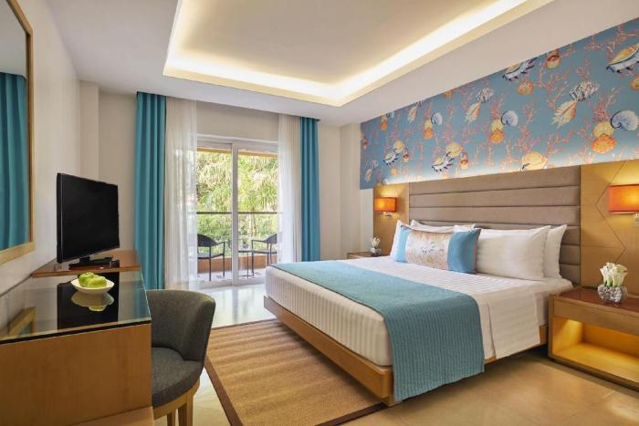 Movenpick Resort and Spa Boracay Exclusive Holiday Treats