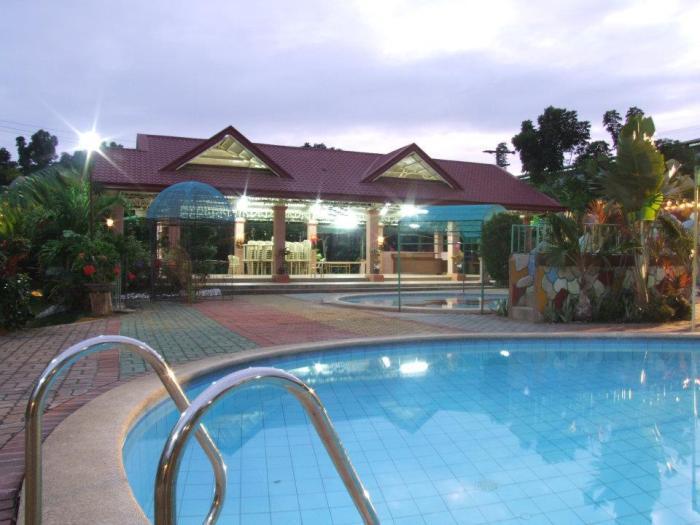 Rhoseans Garden Resort