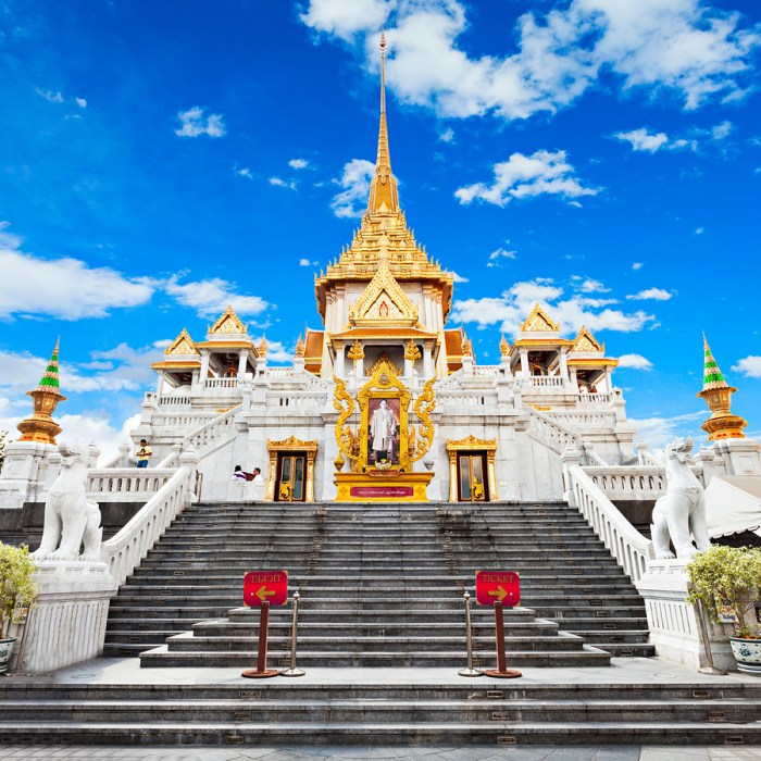 Wat Traimit - Temple of the Golden Buddha in Bangkok