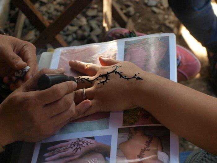 Hazte un tatuaje de henna
