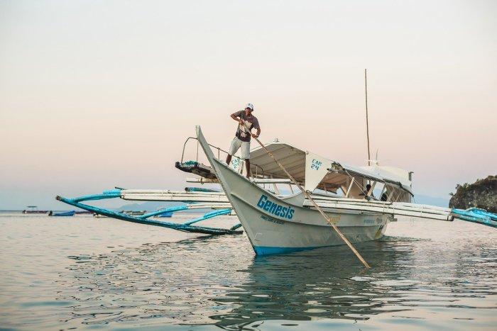 Island Hopping in Puerto Galera
