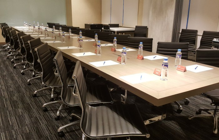 Home.fit Eton-Tower-Makati-Mini-Suites-Boardroom Hotel Review: The Mini Suites Eton Tower in Makati City