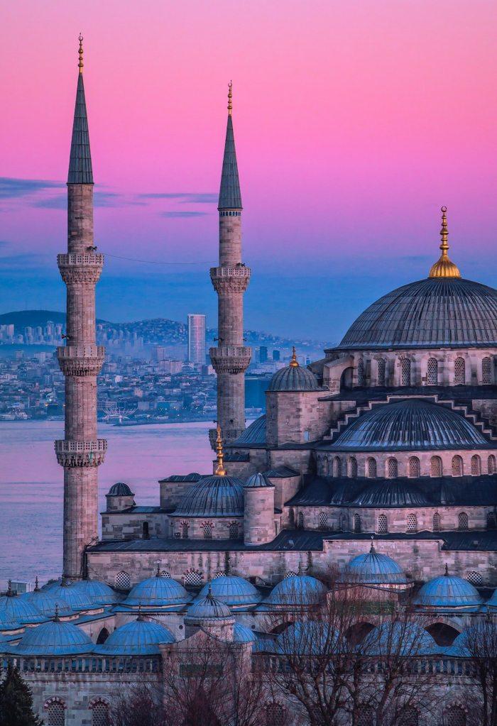 Is it safe to travel to Turkey photo by Fatih Yurur via Unsplash
