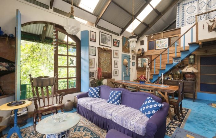 Le Coq Bleu, a French home. LOFT room for Rent in Baguio City