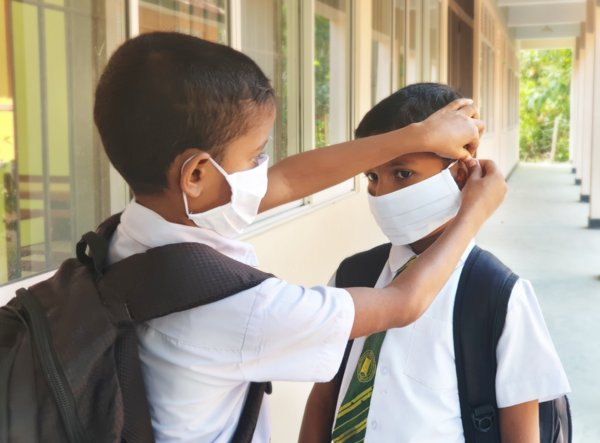 Students at Dehigahalanda School, Hambantota, Sri Lanka have received masks through L4LFM