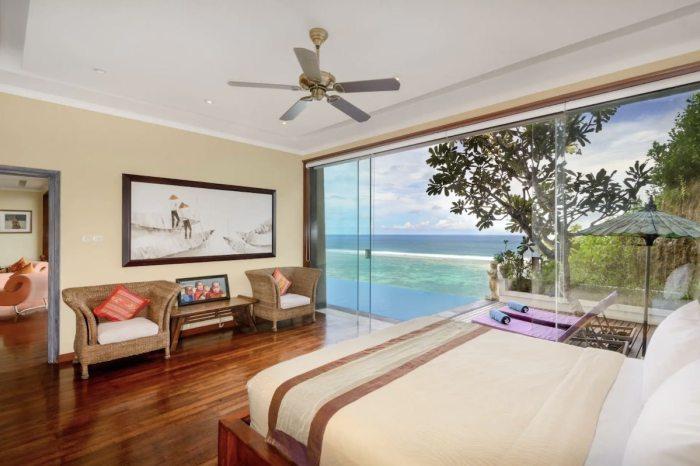Beach front villa / sea view, Wi-Fi and private beach