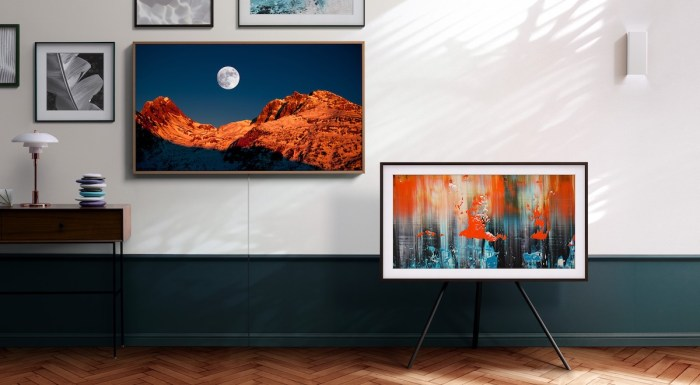More than its industry-leading QLED TV features, Samsung's The Frame inspires creativity with customizable bezels and curated art content from galleries around the world.