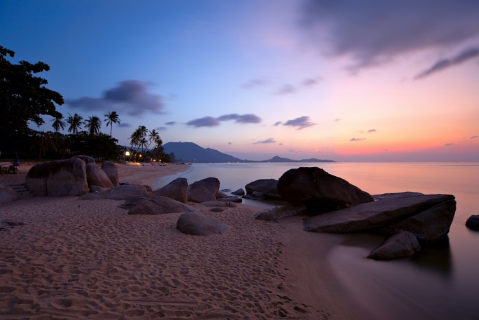Sunrise at Lamai beach photo via Depositphotos