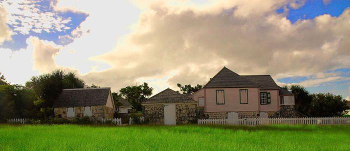 Wallblake House by Josveek Huligar via Wikipedia CC