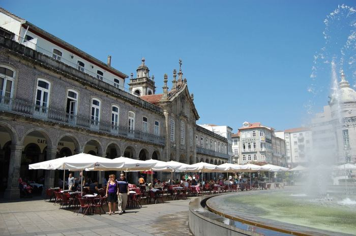 Cafe Vienna in a photo of Braga Portugal via the FB page
