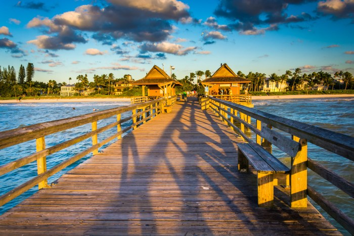 Evening light on the fishing pier in Naples, Florida images via Depositphotos