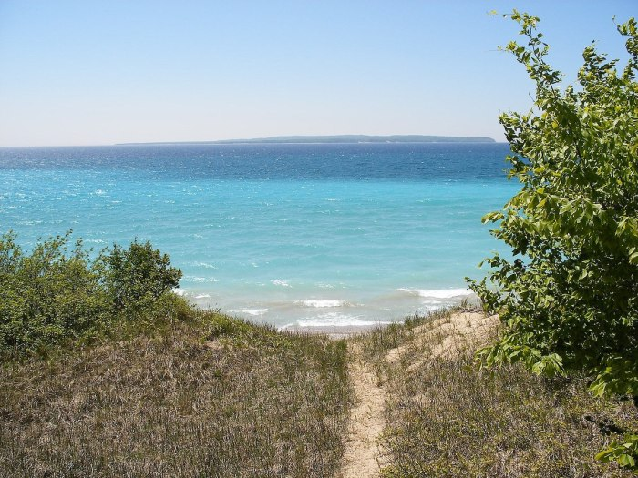 North Manitou Island by Wade9801 via Wikipedia CC