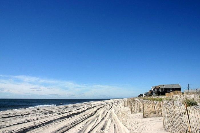 Ocean Beach, Fire Island New York by Patrick Gruban via Wikipedia CC