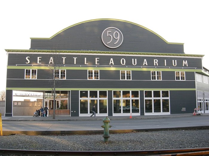 Seattle Aquarium, Pier 59, Seattle, Washington by Joe Mabe via Wikipedia CC