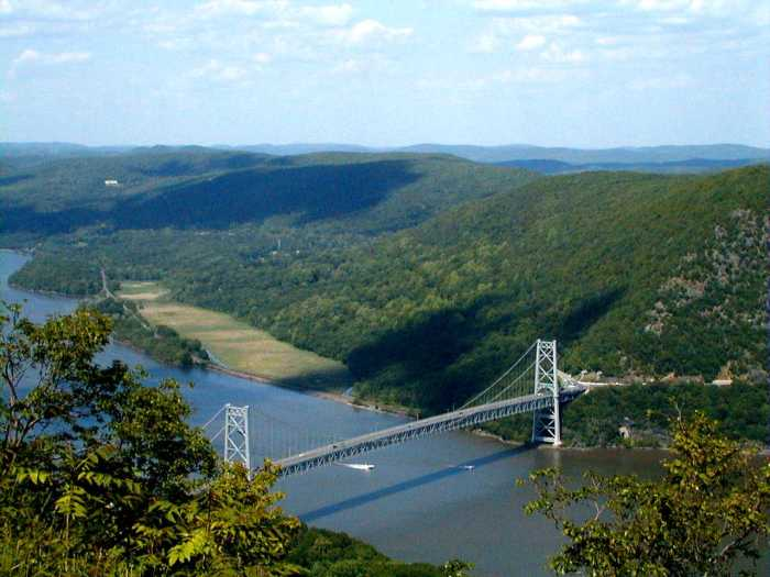 View of Bear Mountain Bridge from the Perkins Memorial Drive mountain summit by Mwanner via Wikipedia CC