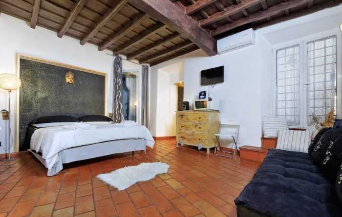 Airbnb in Monti district of Rome