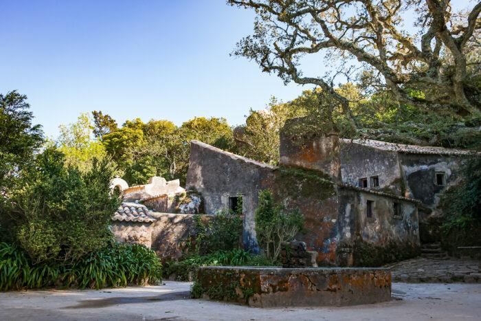 Convent of the Capuchos, Sintra photo via Depositphotos