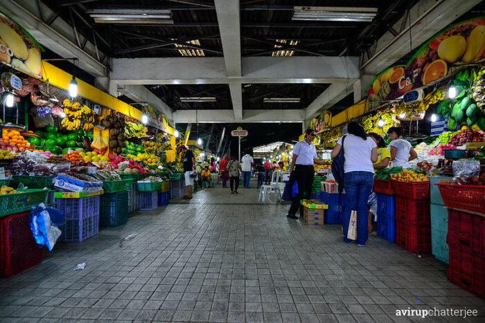 Cubao Farmers Market by Avirup Chatterjee via Flickr CC