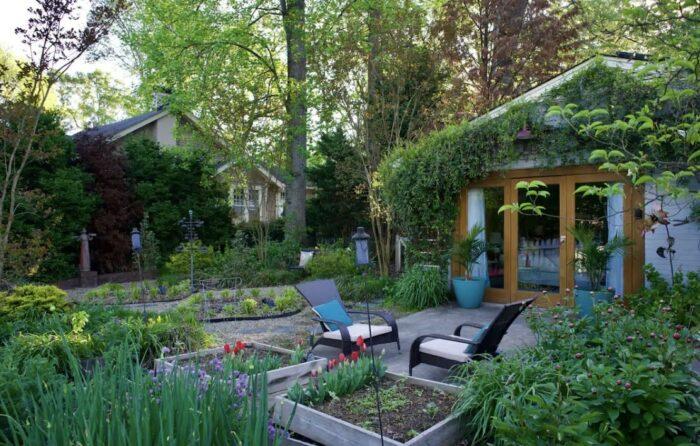 Garden Airbnb near Downtown in NC