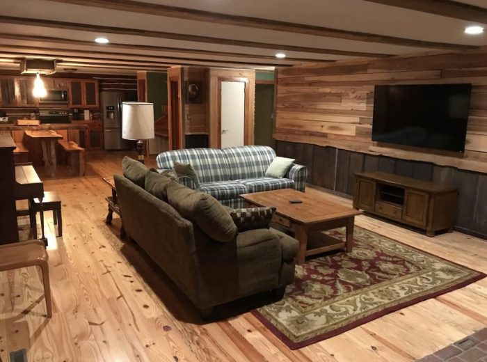 Winston-Salem Airbnb Log Cabin with Brewery tour and tasting