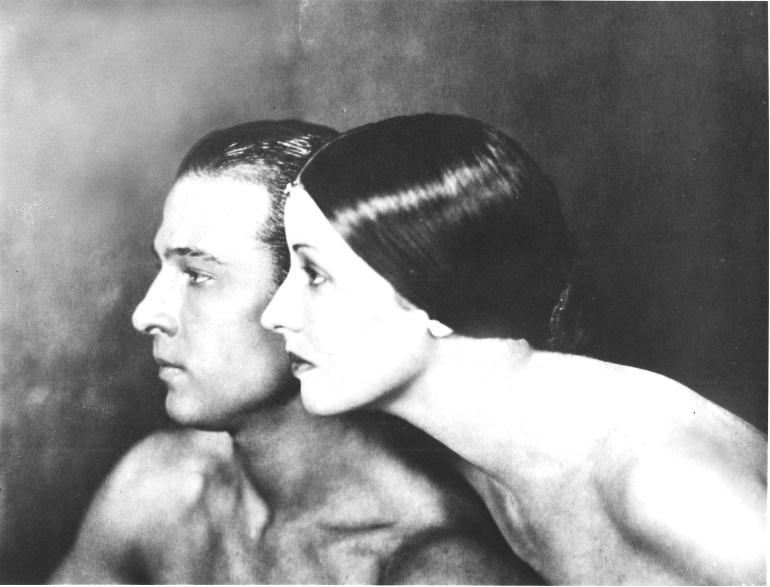 Portrait_of_Rudolph_Valentino_and_Natacha_Rambova.jpg