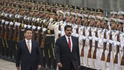 Os presidentes Xi Jinping e Nicolas Maduro, em Beijing