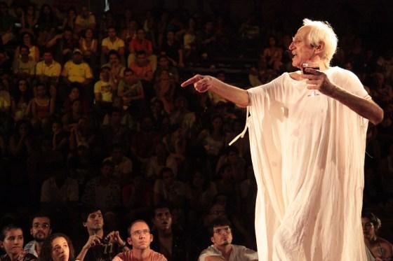 """Zé Celso, sobre a peça e sua repercussão: """"Poucas vezes vi o Teatro Político tão Arte, tão vivo, tão revelador do Poder, até então reprimido, da Cultura"""""""