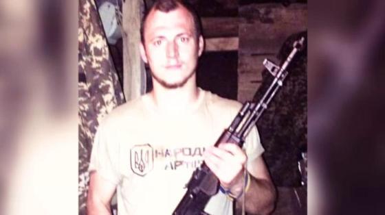 Roman Zozula em pose com milícia
