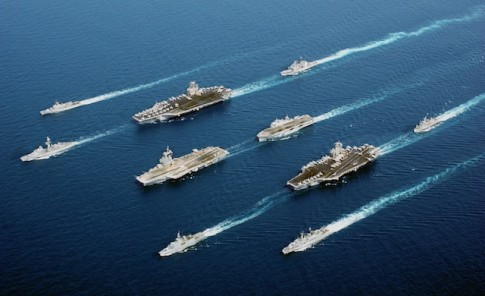 Navia da frota dos EUA no Mediterrâneo, equipada com mísseis Tomahawk e deslocada para as proximidades da Síria na quinta-feira (29/8)