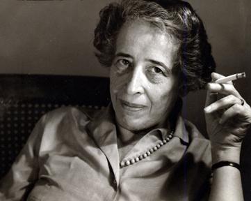 Hannah Arendt, filósofa política alemã de origem judaica (1906-1975)