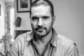 """A trajetória particular do autor do premiado """"Mataram meu irmão"""": Capão Redondo, ódio à polícia, literatura contra a barbárie e dezesseis filmes"""