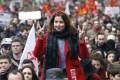 """Às vésperas da Copa Europeia, greves em defesa dos direitos trabalhistas paralisam país. População apoia. Mas insanidade do governo """"socialista"""" […]"""