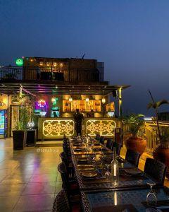 Bombay 2 Beirut, Abuja