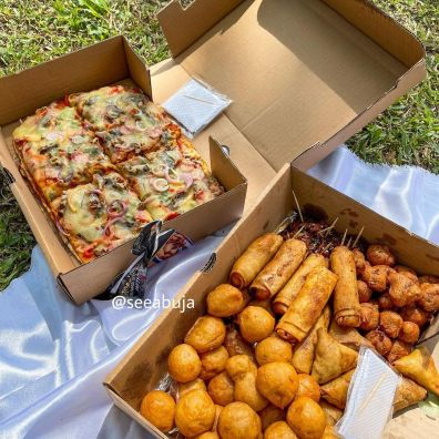 Whitneys Fnc Best Place For Small Chops In Abuja