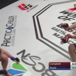 """Lutador dá """"hadouken"""" em adversário e vence por nocaute técnico em seguida"""