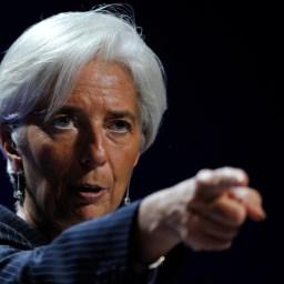 """Lagarde, do FMI, pressiona a Grécia e exige """"reforma"""" das aposentadorias"""