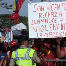Jaques Wagner rechaça críticas da direita sobre voo de apoio aos golpistas da Venezuela