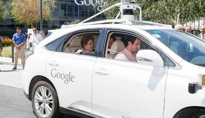 Presidenta Dilma comenta passeio em carro do Google