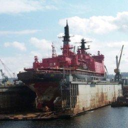 Navio quebra-gelo Lenin recebe insígnia de patrimônio naval da Rússia