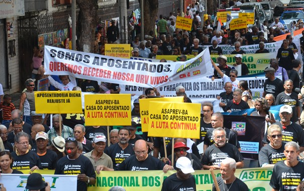 """Dilemas do mundo grisalho (aposentadoria): 13 – Os ataques à """"Constituição Cidadã"""""""