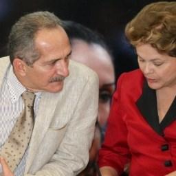 Dilma, ao lado de Aldo Rebelo (Defesa), reafirma defesa da democracia