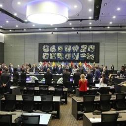 Ernesto Samper, da Unasul, diz que julgamento de Dilma avança sem provas